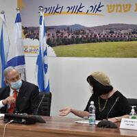Prime Minister Benjamin Netanyahu visits the Israeli city of Beit Shemesh and its mayor, Dr. Aliza Bloch, Sept. 8, 2020. (Photo by Kobi Gideon/GPO)