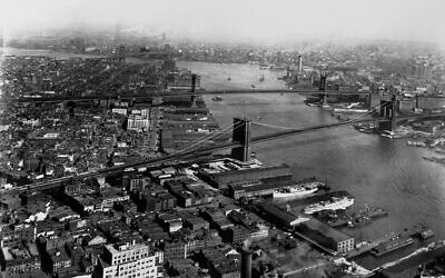 View of the East River from the Manhattan Side, with Brooklyn to the east, c. 1930. (Library of Congress/Getty Images)