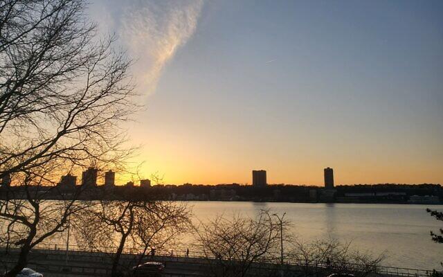 A sunset seen from the Upper West Side of Manhattan. (Esther Sperber)