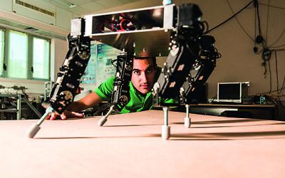 A robot in Prof. Amir Shapiro's lab at the Ben-Gurion University of the Negev. (Ben-Gurion University of the Negev)