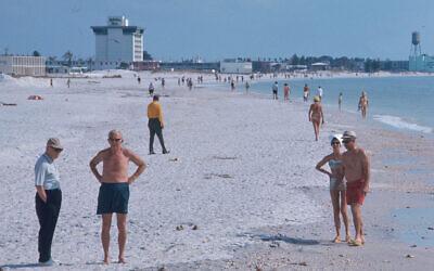 Miami Beach, Florida, April 1974. (Bernard Gotfryd Photograph Ccollection/Library of Congress)