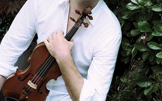 Joshua Bell photo by Lisa Marie Mazzucco