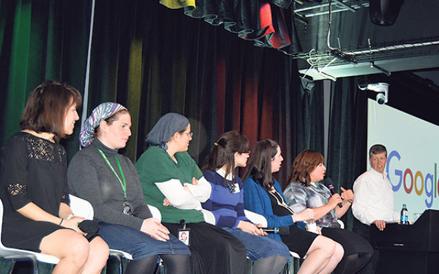 Craig Nevill-Manning, founder of Google, NY, and a group of Orthodox Jewish women Google employees addressed the visiting students.
