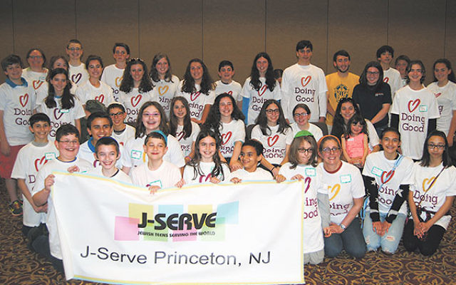 J-Serve participants gather to do good at Beth El Synagogue.