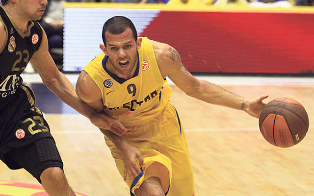 Jordan Farmar, an eight-year NBA veteran with the Los Angeles Lakers, New Jersey Nets, and Los Angeles Clippers, now plays for Maccabi Tel Aviv.