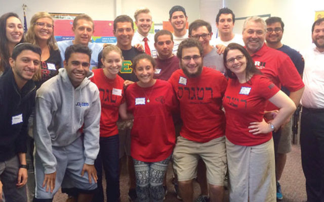 Students and leaders of Rutgers Hillel, AEPi fraternity, and the J-Med program of Rutgers Jewish Xperience showed their support for federation by making calls on Super Sunday.