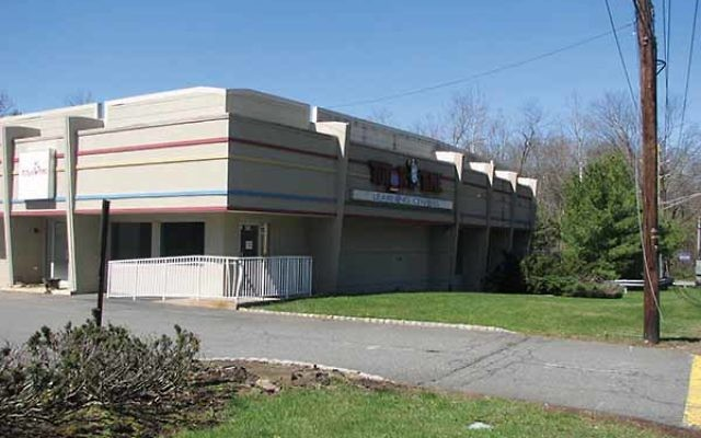 Ahavath Torah: Chabad at Short Hills has closed on this 4.2-acre site at 650 South Orange Ave. in Livingston, the former home of a Tutor Time day care center. Photo by Johanna Ginsberg
