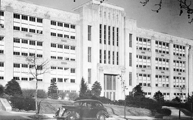 Weequahic High School located on Chancellor Avenue in Newark, circa 1933.