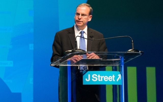 J Street Executive Director Jeremy Ben-Ami addressing the group's conference in Washington, March 21, 2015. (Courtesy of J Street)