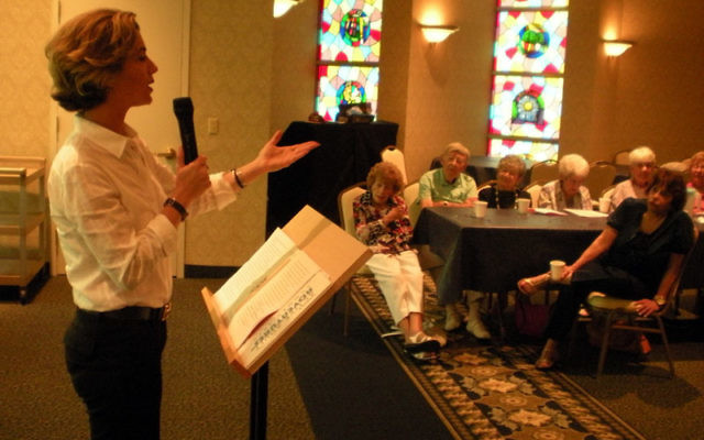 Writer Alix Strauss discusses nightmare blind dates at a JCC summer seniors event. Photos by Elaine Durbach