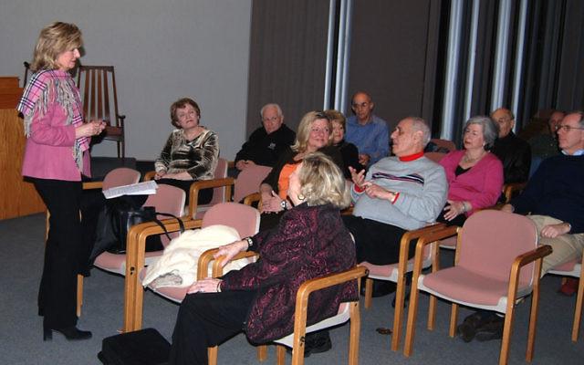Dr. Rosalind Dorlen delivers the first of four seminars hosted by the Lauren Danis Eldernet Project at Temple Emanu-El.