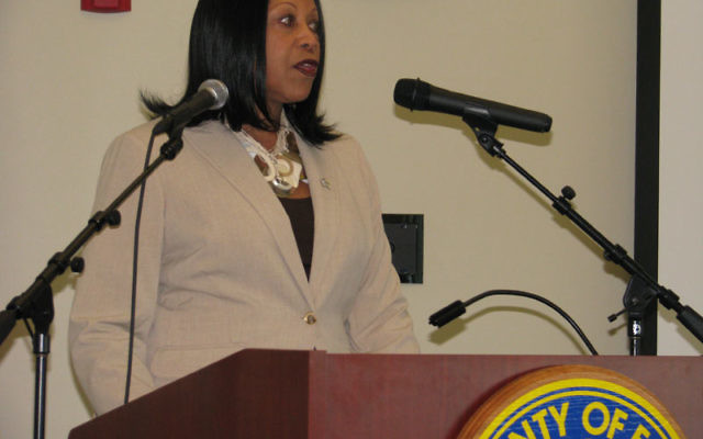 NJ Assembly Speaker Sheila Oliver welcomes the MetroWest community leaders to Essex County.
