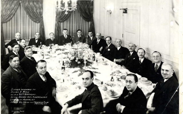 Editor Anton Kaufman, seated on right side of table to the left of Rabbi Charles Hoffman (who is not wearing a tie) at a Progress Club dinner in March 1931. Photo courtesy Jewish Historical Society of MetroWest