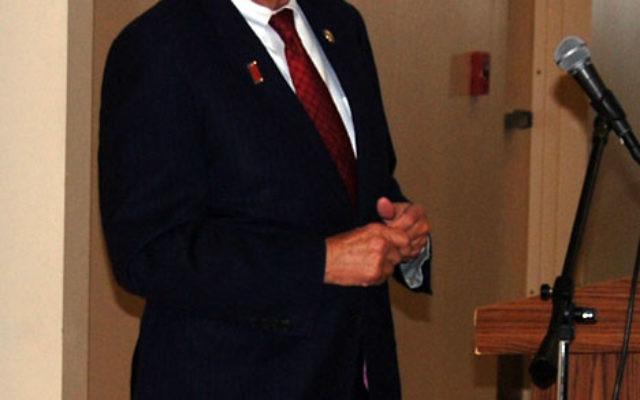 Rep. Bill Pascrell addresses the breakfast gathering of legislators and Jewish community leaders at the West Orange JCC.