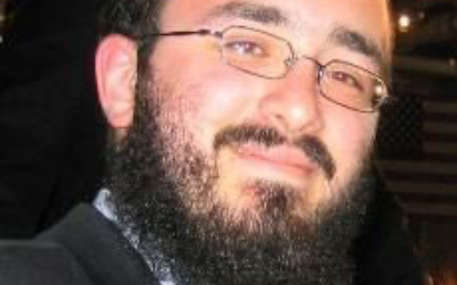 """Rabbi Mendy Carlebach, a volunteer chaplain for the Middlesex County Adult Correction Center, says, """"I have no problem with people getting kosher food if they are not Jewish."""""""