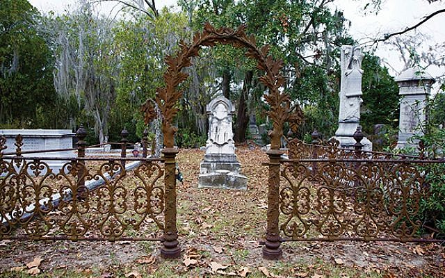 The Jewish section of the Bonaventure Cemetery in Savannah. (Photos by Richard Nowitz)