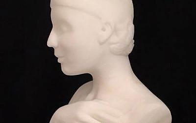 The Gaelen Show Best in Sculpture 2018 winner by Peppi Glass