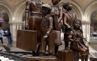 A Kindertransport monument at Liverpool Street Station.It pays tribute to those Britons who aided the rescue of 10,000 Jewish children from the Nazi persecution which led onto the holocaust. Wikimedia Commons