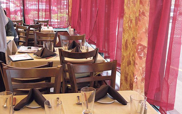 Avalon Glatt, a family-style kosher restaurant in Livingston under the Vaad Harabonim of MetroWest, opened May 18.