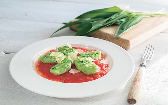 Potato Spinach Gnocchi with Tomato Sauce
