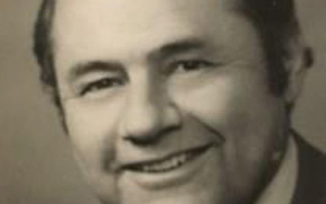 Julian Hoffman, a leader in the Jewish community for decades, was remembered as a mensch and unafraid to stand up for the causes he believed in.