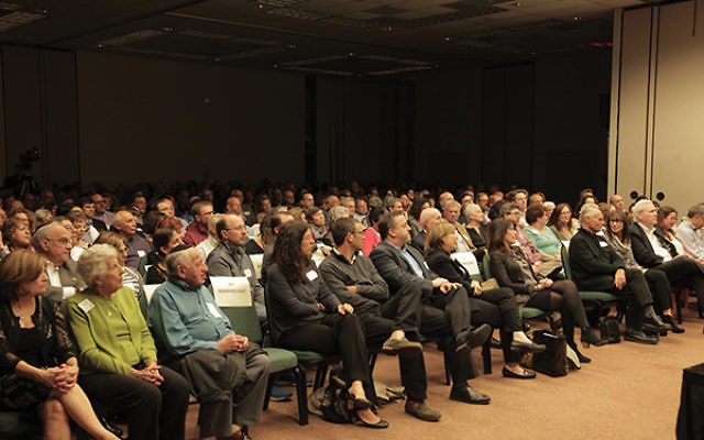 Approximately 400 people packed into the Alex Aidekman Family Jewish Community Campus in Whippany to hear Stephens and Klein Halevi. Photos by David Thomas