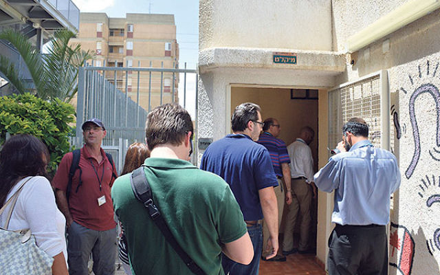 Members of JFNA's Campaign Chairs' and Directors' Mission visit a bomb shelter at a Jewish Agency for Israel absorption center for new immigrants in Be'er Sheva.