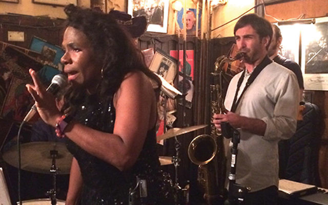 Alex Stein accompanies jazz and blues singer Ayana Lowe at 55 Bar in Greenwich Village. PhotoS by Robert Wiener