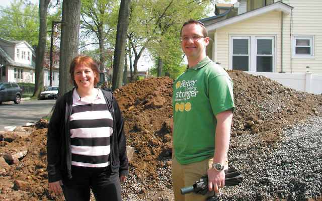 Carol Paster and Shanan Cohen discuss Abraham House II as a tzedaka project.