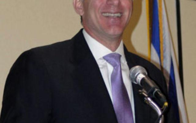 Michael Oren addresses the national JNF conference in Philadelphia Oct. 26.