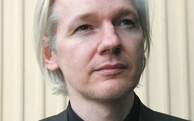 The Arab Voice has published an article alleging that WikiLeaks director Julian Assange struck a deal with Israel to withhold documents that might embarrass the Jewish state.