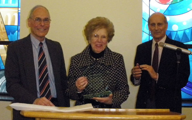 Ruth Marcus Patt accepts an award from the Jewish Historical Society of Central Jersey's president, Nat Reiss, left, and vice president, Harvey Hauptman. Photo by Debra Rubin