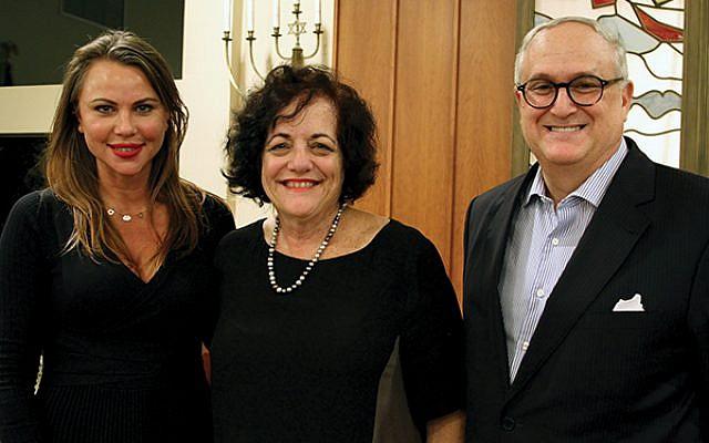 Lara Logan, at left, with Janice Selinger, and Allan Kline, president of Har Sinai Temple.