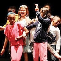 Luna Stage hosts children's acting classes