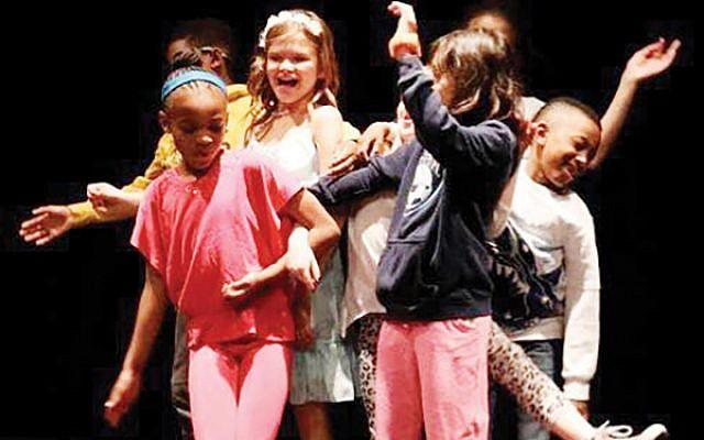 Luna Stage hosts children's acting classes