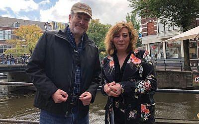 Martin Raffel in Amsterdam with Esther Voet, editor-in-chief of the Dutch Jewish weekly Nieuw Israelietisch Weekblad.
