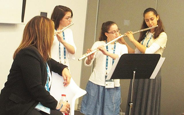 Students from the Arad Music Conservatory performed at a session on federation fundraising at the General Assembly. Arad is the sister city of Federations in both New Jersey and Delaware, and the conservatory benefits from that partnership. Photos by Michele Chabin