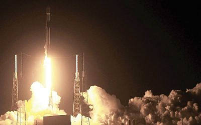 Liftoff of the SpaceX rocket carrying Israel's Beresheet lunar landing craft. Getty Images