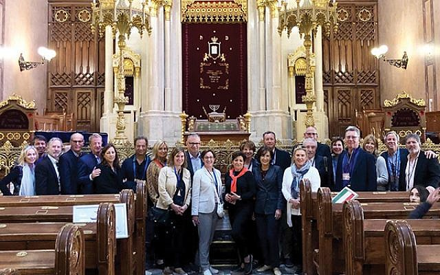 Federation's mission group celebrated Shabbat in Budapest's Dohány Street Synagogue — the largest one in Europe.  Photo by Mark Merkovitz