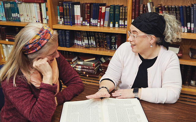 Jennifer Geretz, at right, is among the eighth cohort of women to  receive ordination from Yeshivat Maharat. Courtesy Yeshivat Maharat