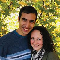 Founders of Shabbat-o-Grams, Ben Zauzmer and Rabbi Shayna Golkow. Courtesy Shayna Golkow