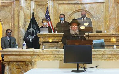 Rabbi Mordechai Kanelsky delivers the invocation. (Courtesy Bris Avrohom)