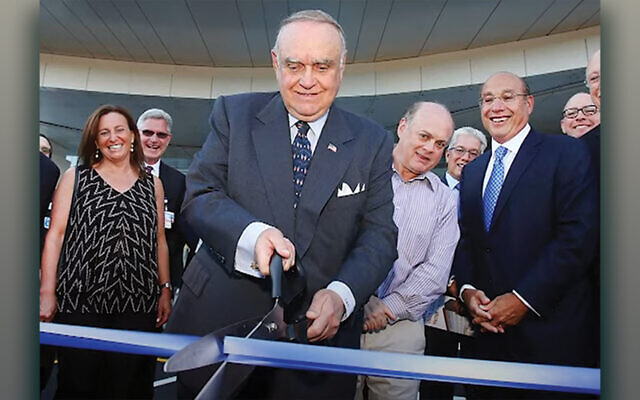 In 2017, Leon Cooperman cuts the ribbon inaugurating the Cooperman Family Pavilion at what is now the Cooperman Barnabas Medical Center in Livingston.