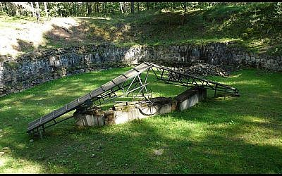 Burning pit, Paneriai, where German SD & SS and Lithuanian Sonderkommandos burned exhumed bodies from the Paneriai death pits in an attempt to destroy the evidence of the mass executions. (photo credit: Gregor Jamroski, Wikimediacommons)