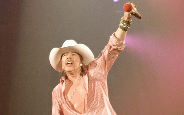 Axl Rose performs in Caracas in 2010. (photo credit: CC-BY Ed Vill, Wikipedia)