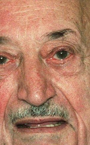 Simon Wiesenthal in 1995. (photo credit: AP/Ronald Zak, File)