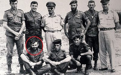 Aharon Davidi (circled) with members of 890th Paratroop Battalion (photo credit: IDF Archive)