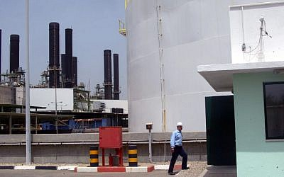 The Gaza power plant shut down after running out of fuel. (photo credit: Abed Rahim Khatib /Flash90)