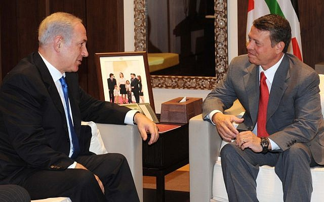 King Abdullah meets Prime Minister Netanyahu in Amman in 2010 (photo credit: Avi Ohayon/GPO/Flash90)