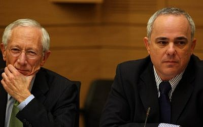 Governor of the Bank of Israel, Stanley Fischer (L) and Finance Minister Yuval Steinitz (R) (photo credit: Kobi Gideon/Flash90)